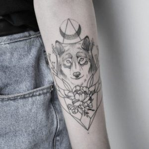 wolf female tattoo designs for arms