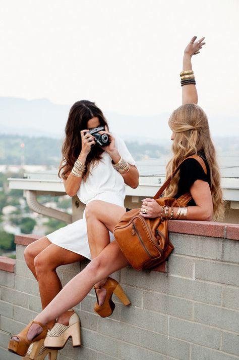 women travelogue photography
