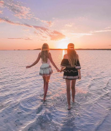 friends time travel photography female