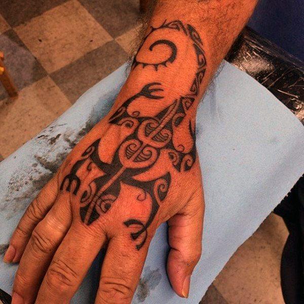 hand lizard king tattoo