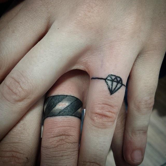 diamond finger tattoo design ideas images 2021