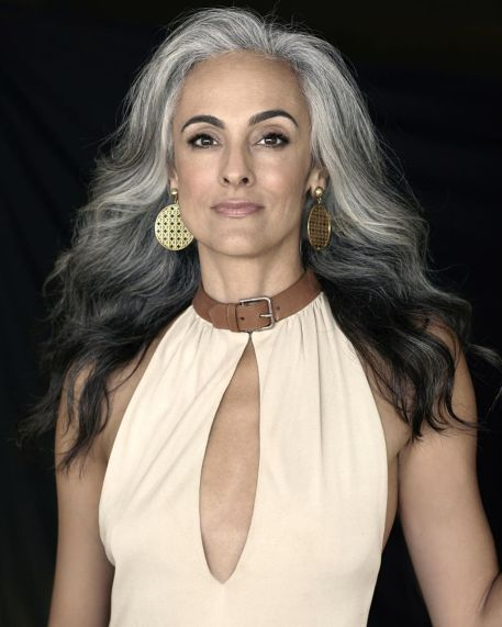 short natural gray hair cuts for women