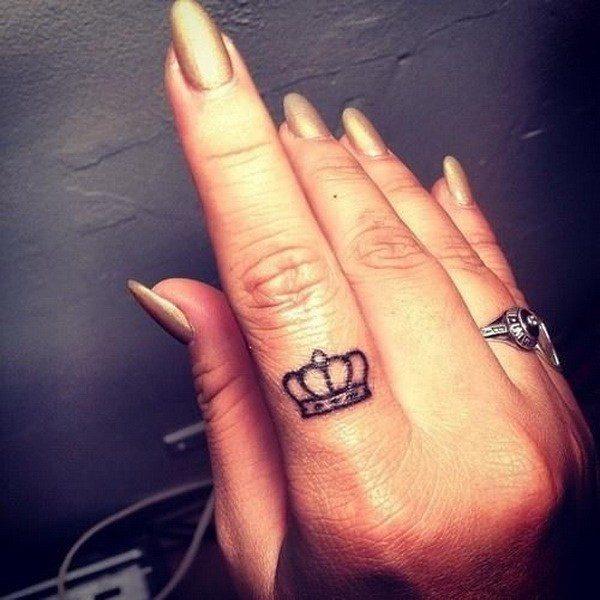 king and queen finger tattoos women