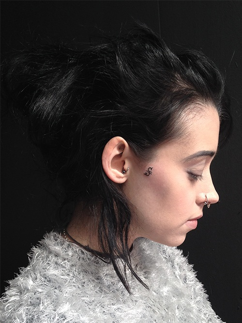 girl small face tattoos design ideas