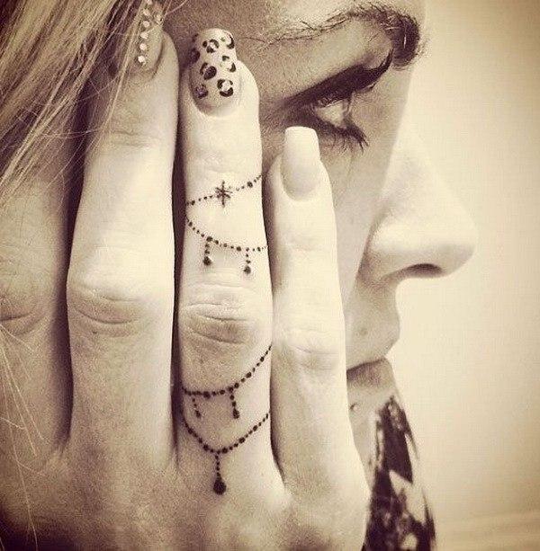 pretty ladies finger tattoos design ideas