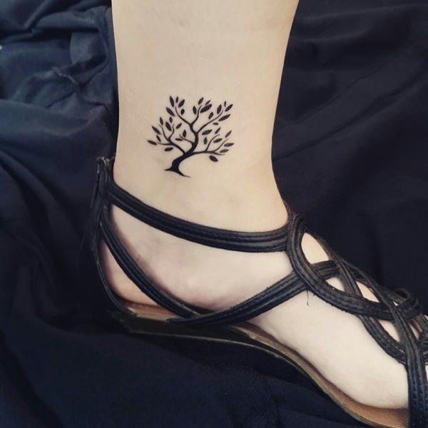 women leg small  tree tattoo ideas