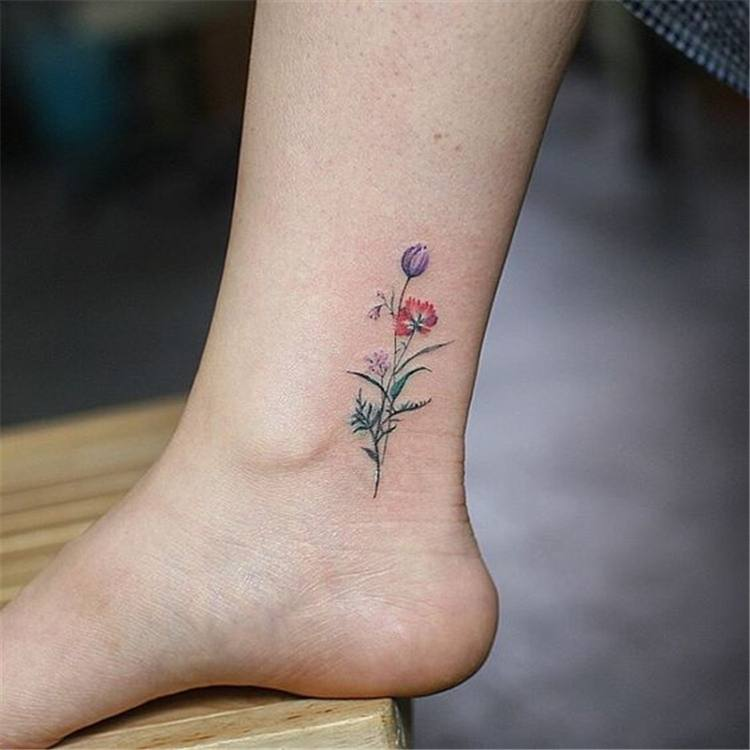 simple flower tattoo designs women leg