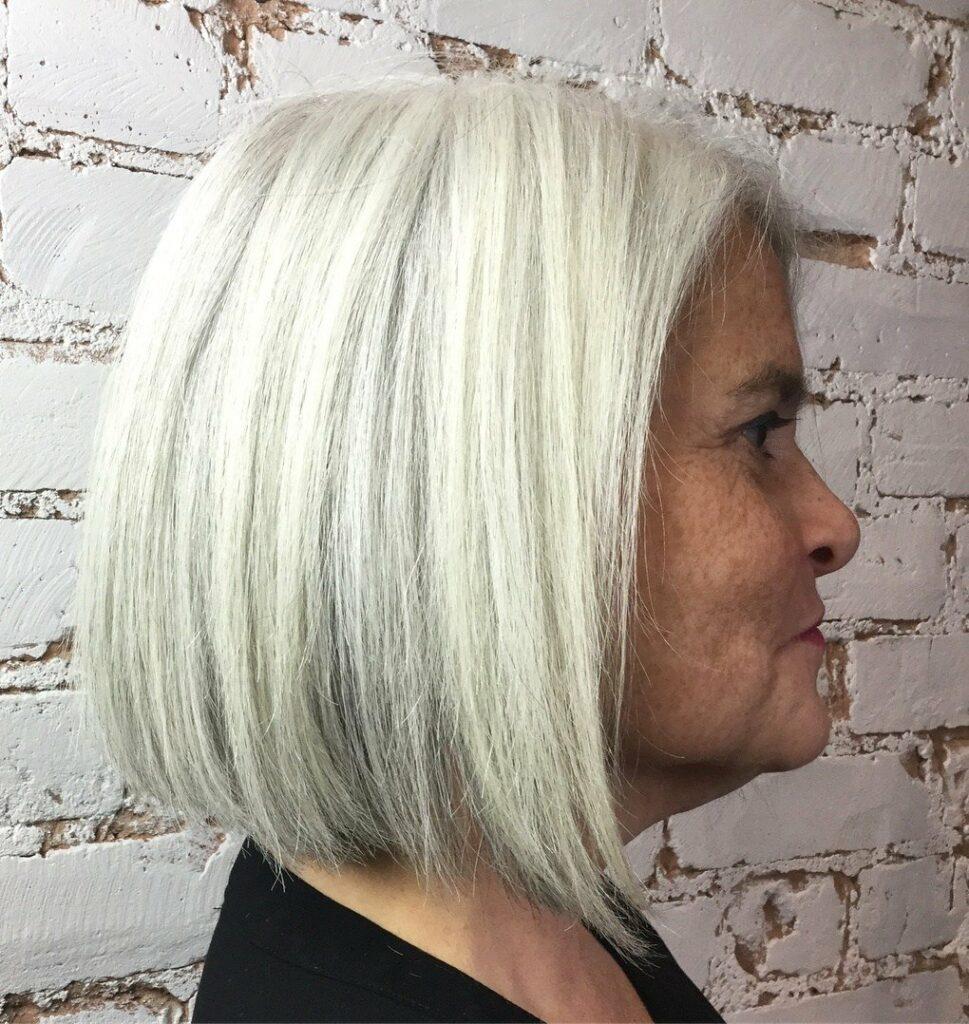 cute short haircuts for gray hair