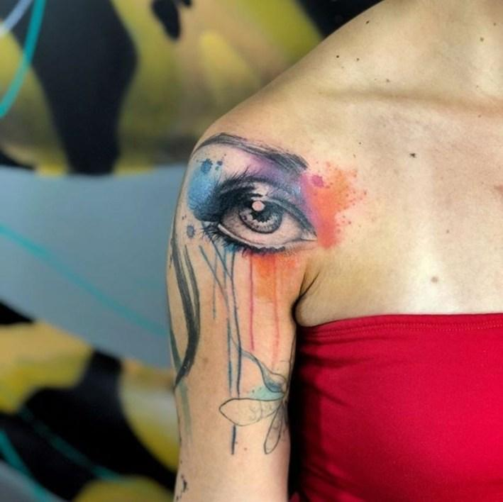 cool shoulder tattoos for females