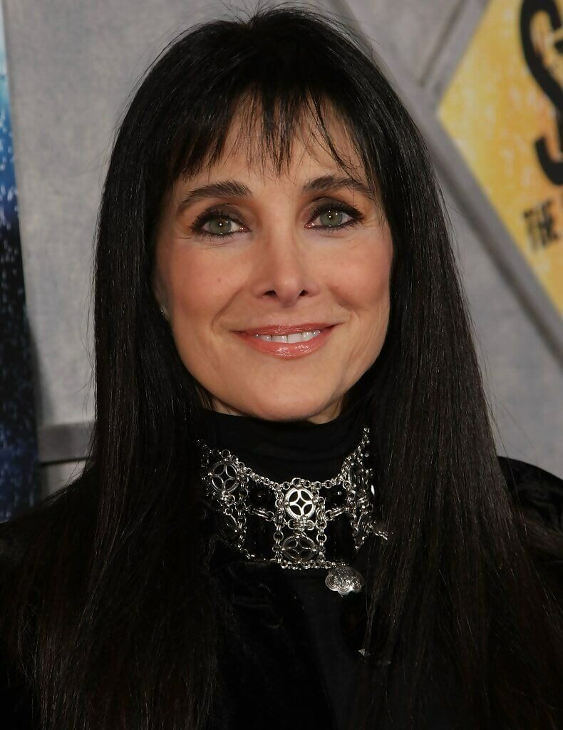black long hair cuts for women over 50 ideas