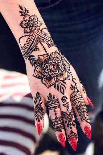Modern Mehndi  Henna Arts for Fashionable Women images