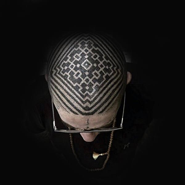 henna tattoo on bald head