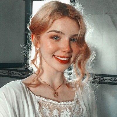 girl portrait photo