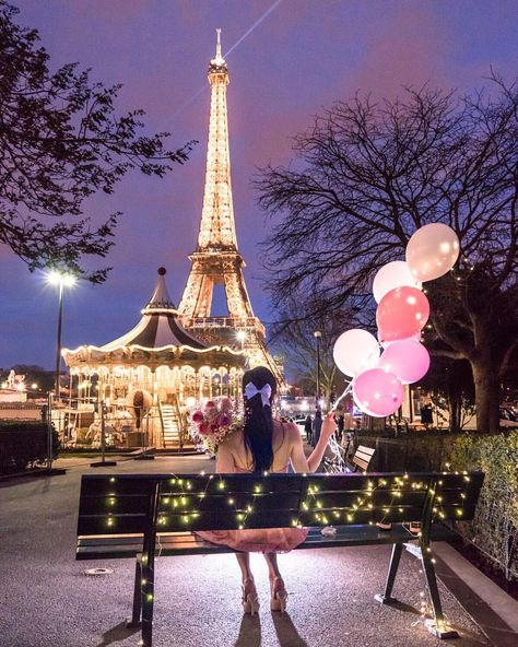 photo girl eiffel tower