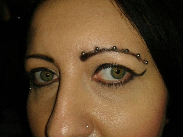 magnetic eyebrow piercing