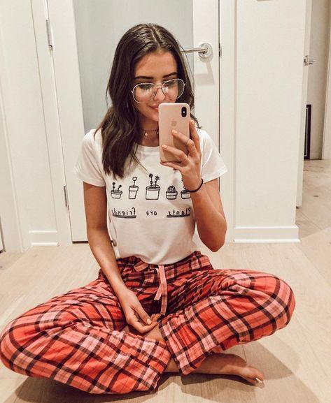 girls indoor photoshoot images