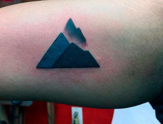 pyramid in body art