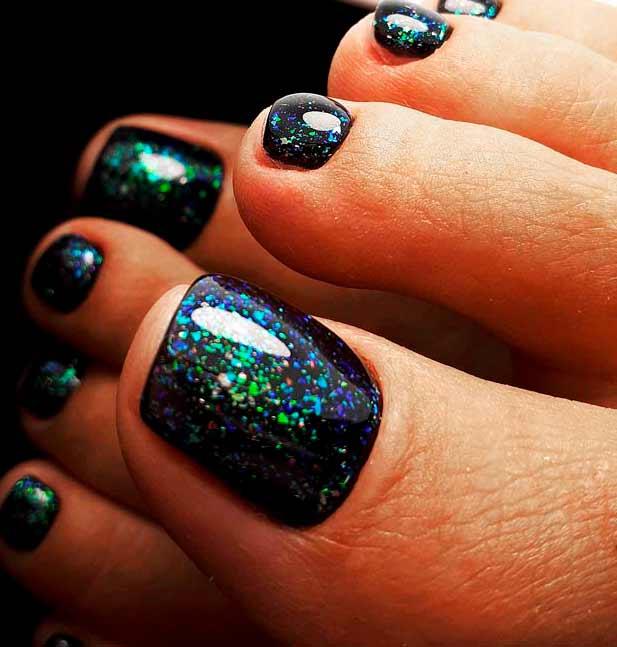 these cute and creative toe nail art designs