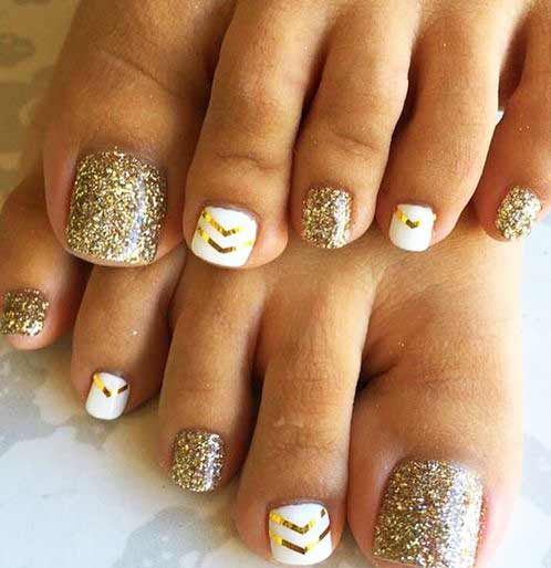 Crank up your style statement this season with trendy toe nail designs