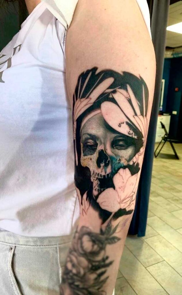 Cool (31 ) upper arm tattoos design ideas for women