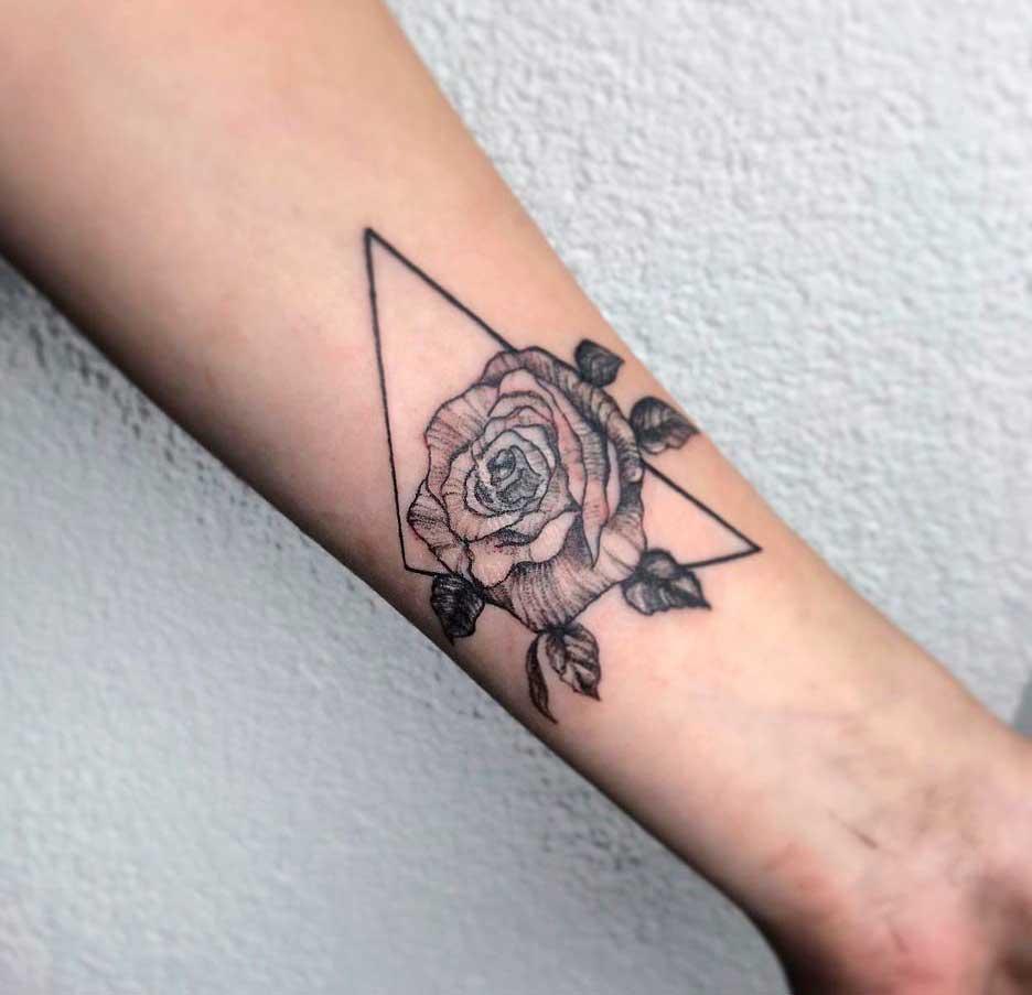 rose tattoos for womens wrist