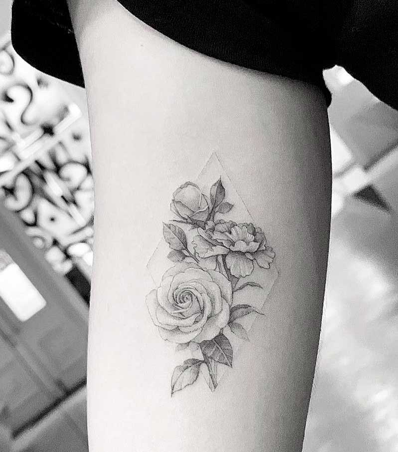 roses flowers to get tattooed women