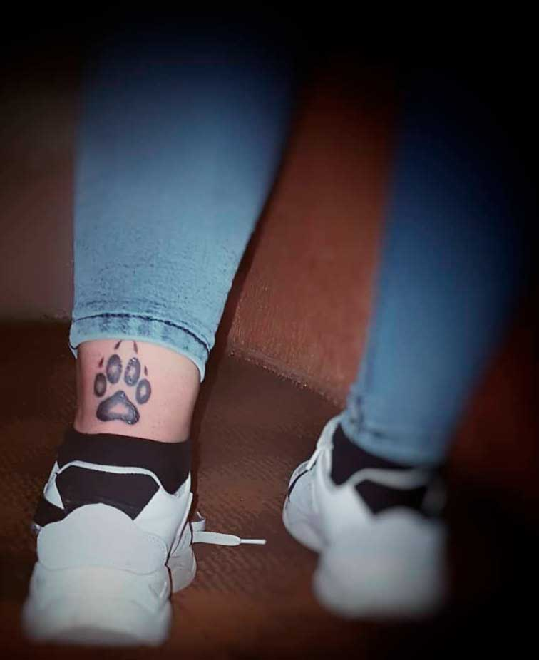 Back Legs Tattoo For Girls ideas