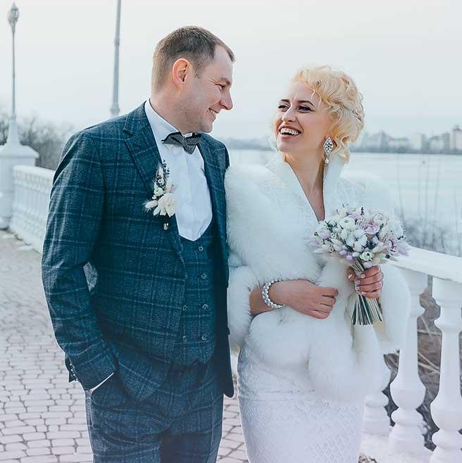 best wedding day photo in the street