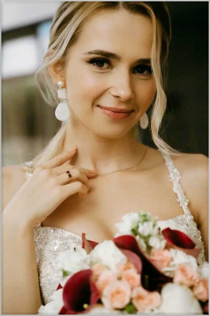 Best Bridal Hairstyles for ladies with Thin Hai